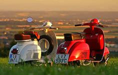 Sunset Vespa Tour in Tuscany
