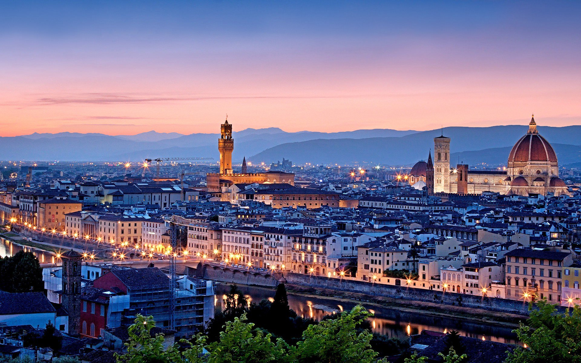 Italian Florence: Florence By Night: The Best Way To Enjoy The City