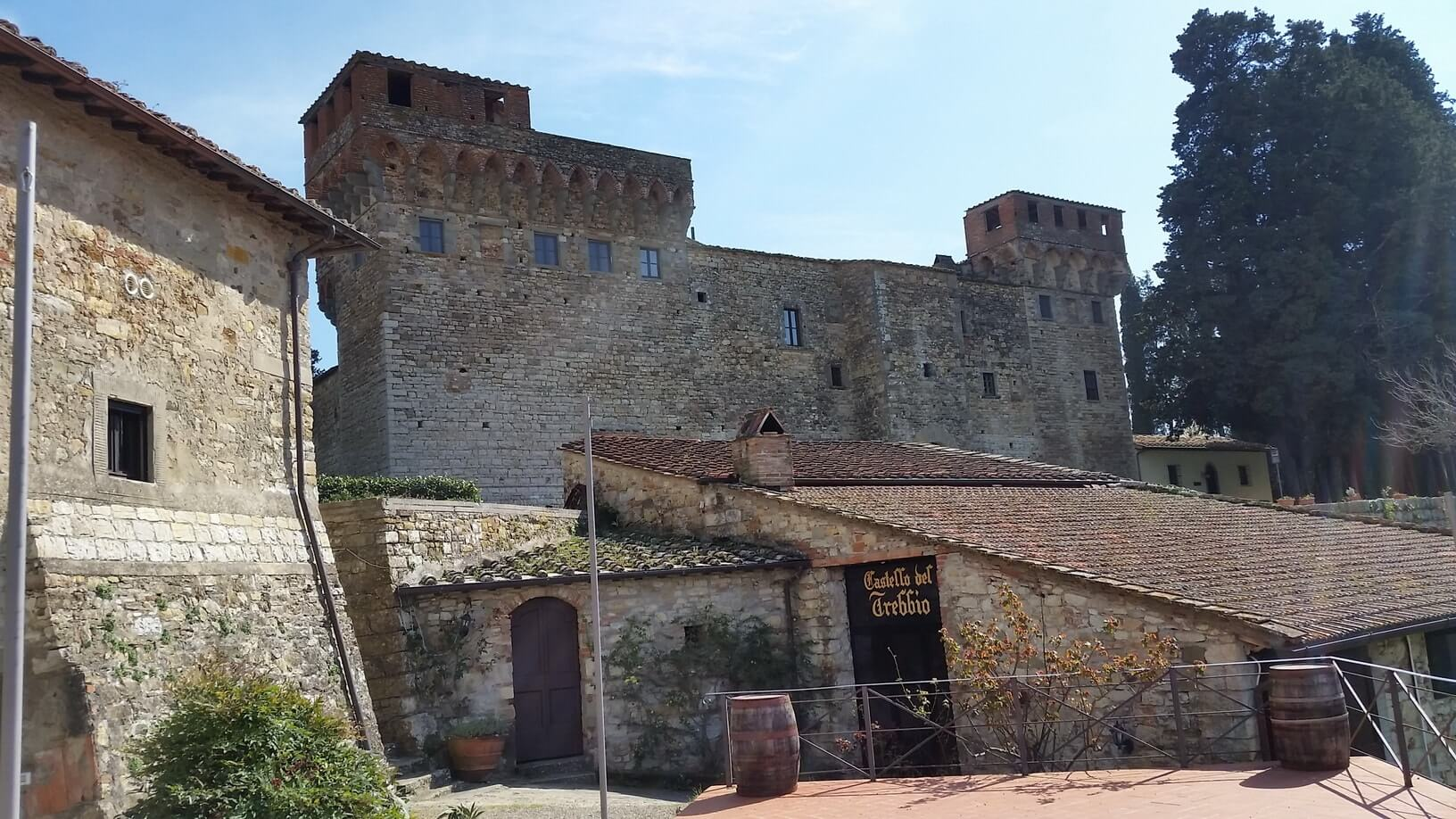 wine-tour-tuscany-castle